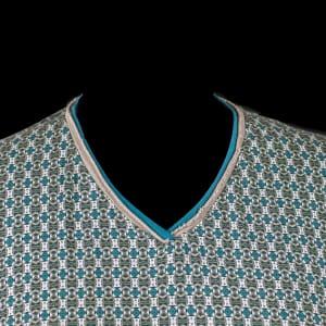 V-neck close up