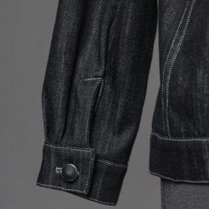 Straight cuff detail